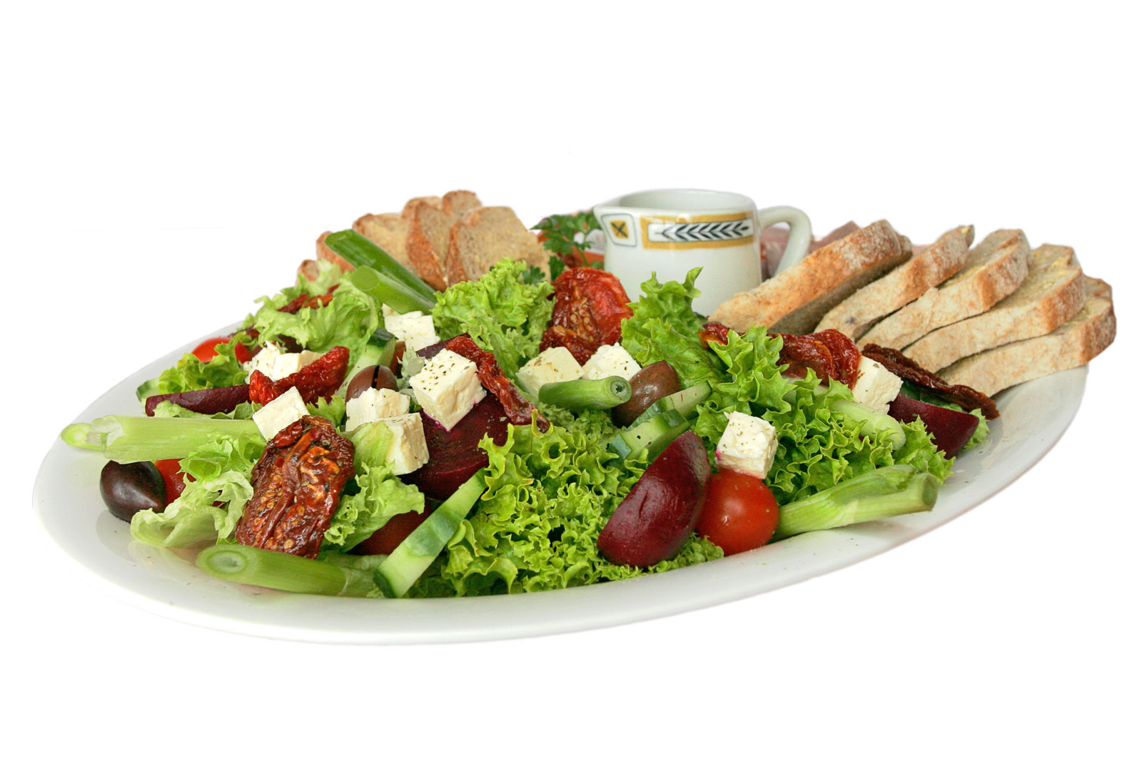 Top 5 benefits of eating salad with your meal
