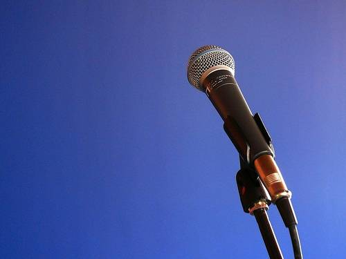 Top 5 qualities you must have to become a good speaker
